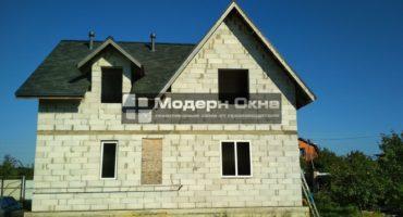 Остекление загородного дома пластиковыми окнами Rehau Grazio